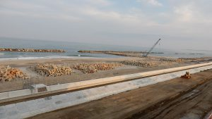 新しい防潮堤