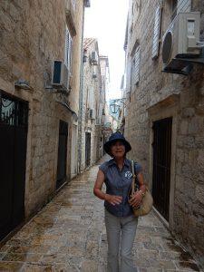 城壁の中の通り