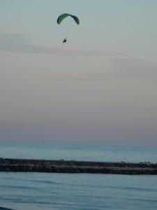 エンジン付きハングライダー空中散歩