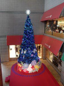 青葉台東急のクリスマスツリー