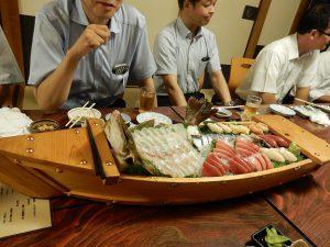 都寿司の豪華な舟盛り