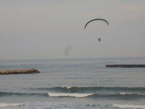 四倉海岸で優雅に空中散歩
