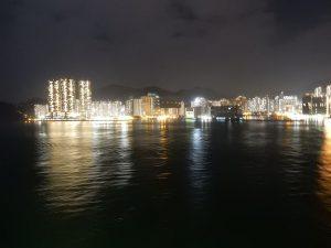 船上から香港の夜景