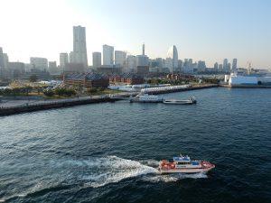 船上より横浜港を見る