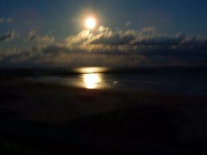 月明かりの四倉海岸