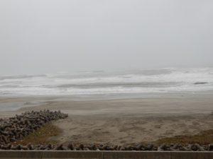 大荒れの四倉海岸